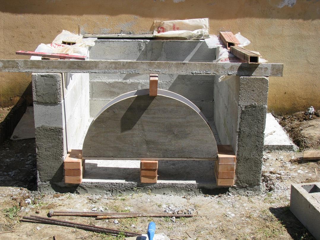 Casa immobiliare accessori base per forno a legna for Forno a legna in mattoni refrattari